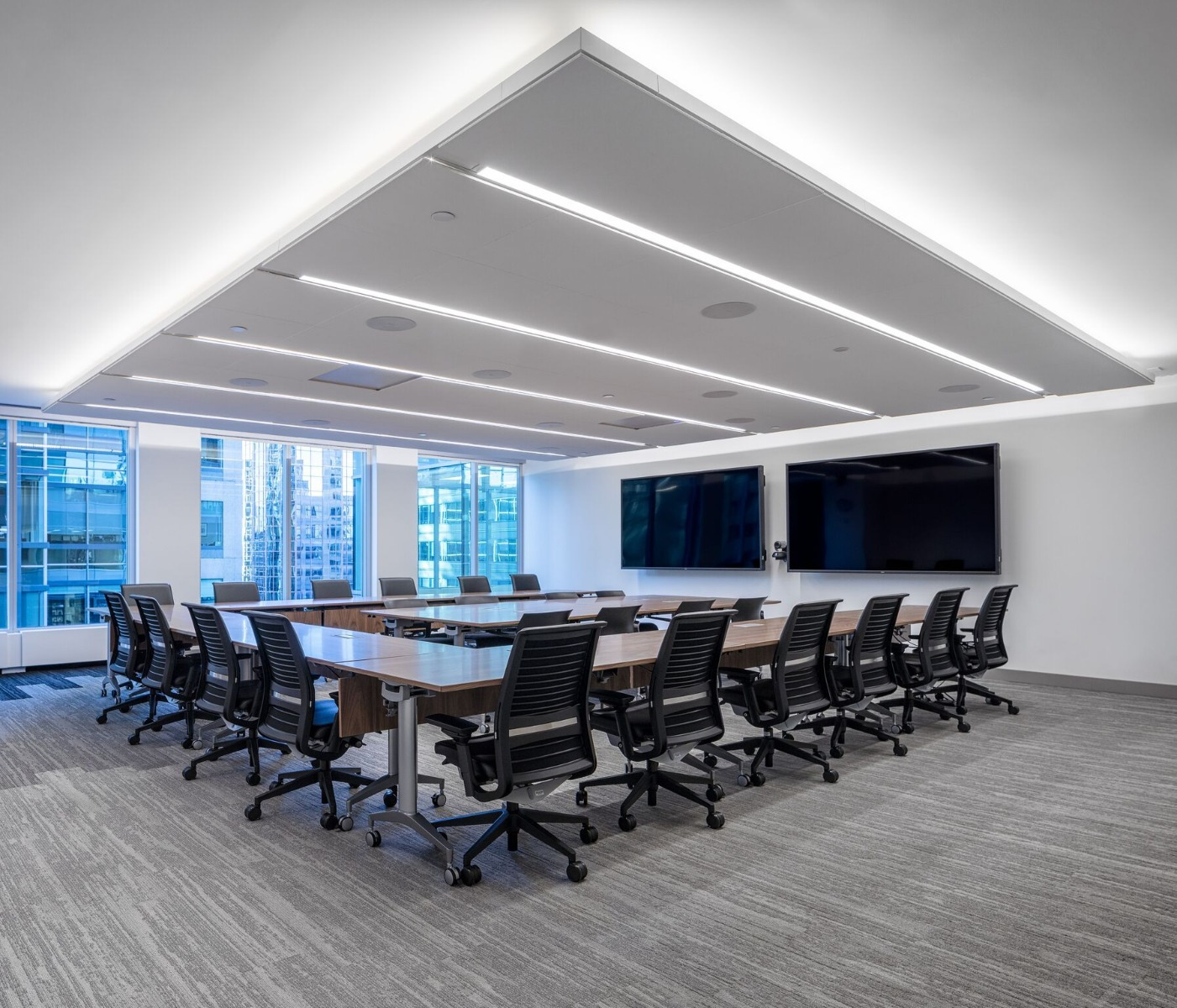 Recommended light levels for different types of work spaces are indicated below:
